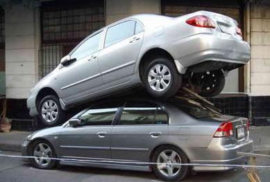 https://crazycrashes.files.wordpress.com/2007/10/car_crash_stacked_cars_3.jpg