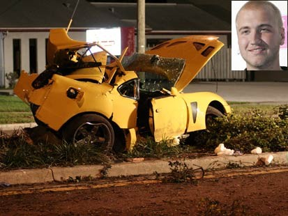 http://crazycrashes.files.wordpress.com/2007/11/nick_bellea_hogan_car_wreck.jpg