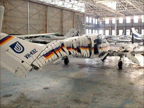 plane-falls-apart.jpg